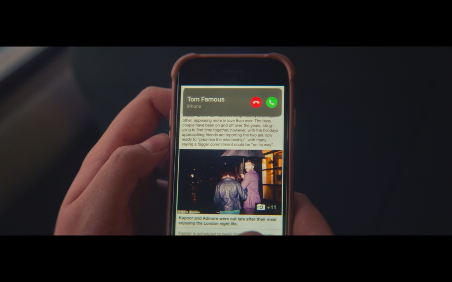Jessie's phone with an article about Tom and his ex-girlfriend and then a notification that Tom is calling with the name Tom Famous.